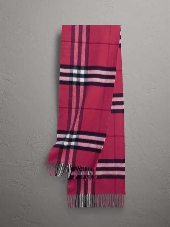 The Classic Check Cashmere Scarf in Fuchsia Pink