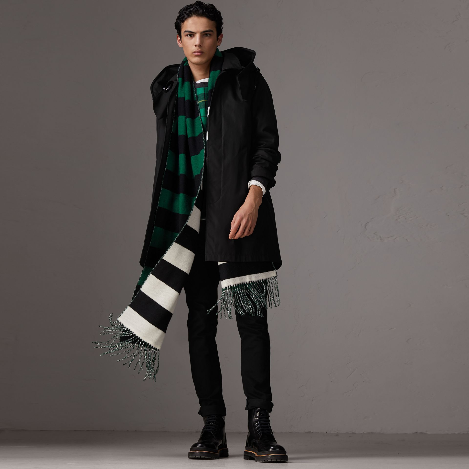 Detachable Hood Cotton Blend Car Coat with Warmer in Black - Men | Burberry United Kingdom - gallery image 0