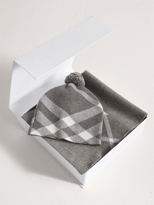 Check Cotton Cashmere Two-piece Gift Set in Mid Grey Melange | Burberry - cell image 2