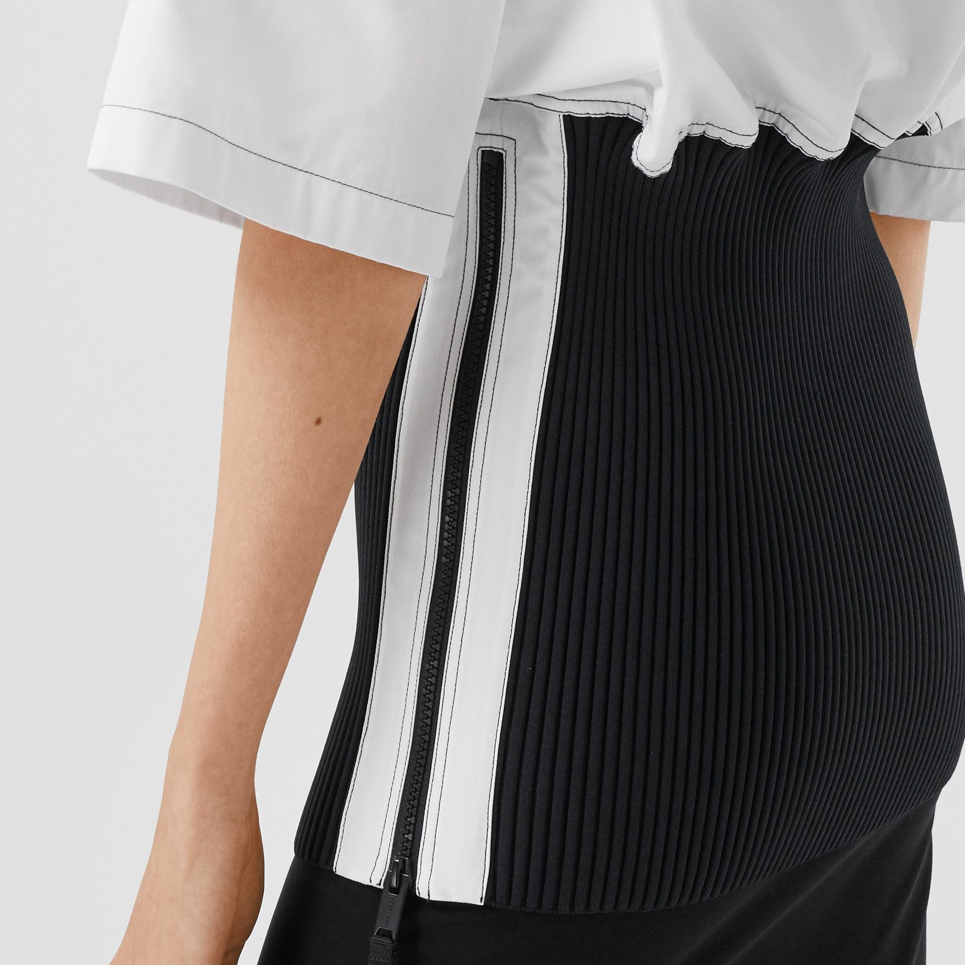 Объемная футболка с трикотажной отделкой (Оптический Белый) - Для женщин | Burberry - изображение 5