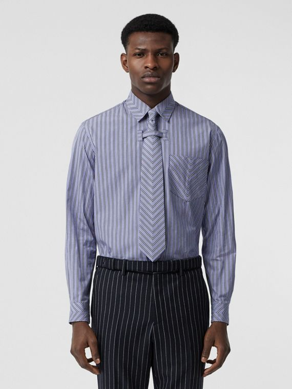 Conjunto de camisa y corbata en algodón a rayas con motivo zigzag (Azul Pálido)