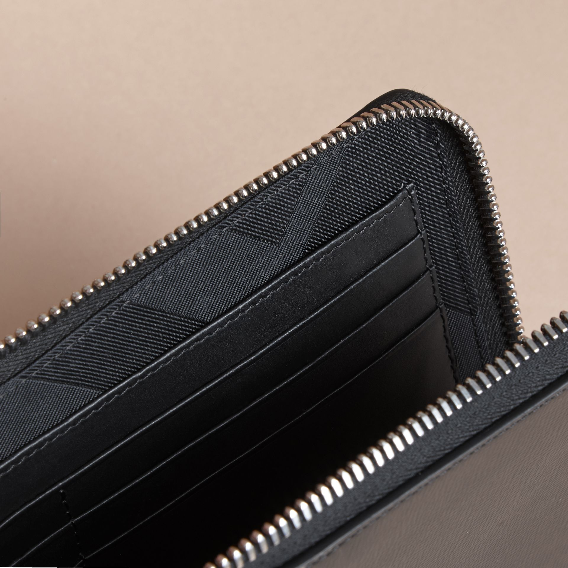 London Leather Travel Wallet in Black | Burberry Canada - gallery image 5