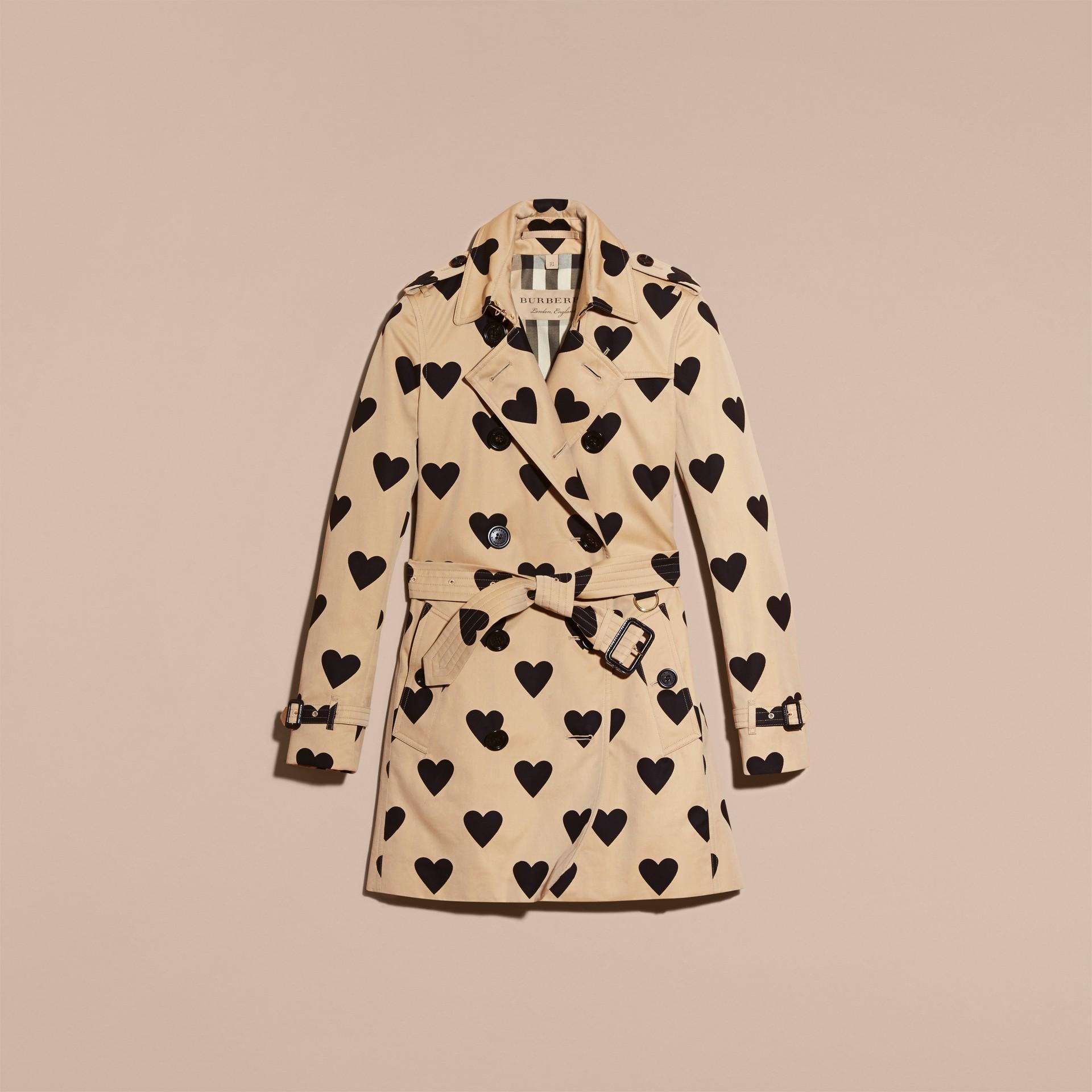 Nero/miele Trench coat in cotone con stampa a cuori - immagine della galleria 4