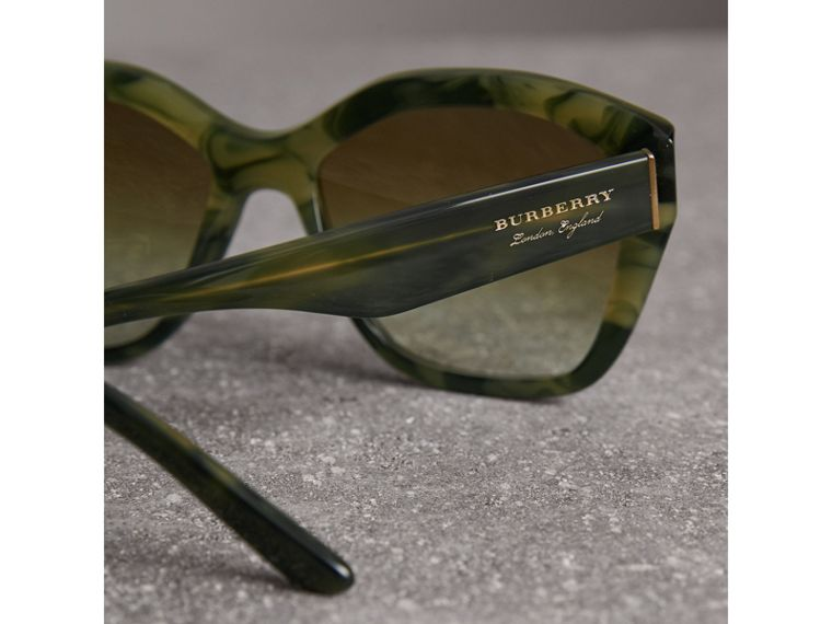 Square Frame Sunglasses in Smokey Green - Women | Burberry Hong Kong - cell image 1