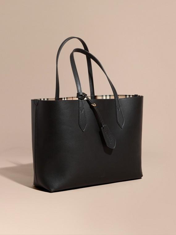 La borsa tote double face media con motivo Haymarket check e pelle Nero