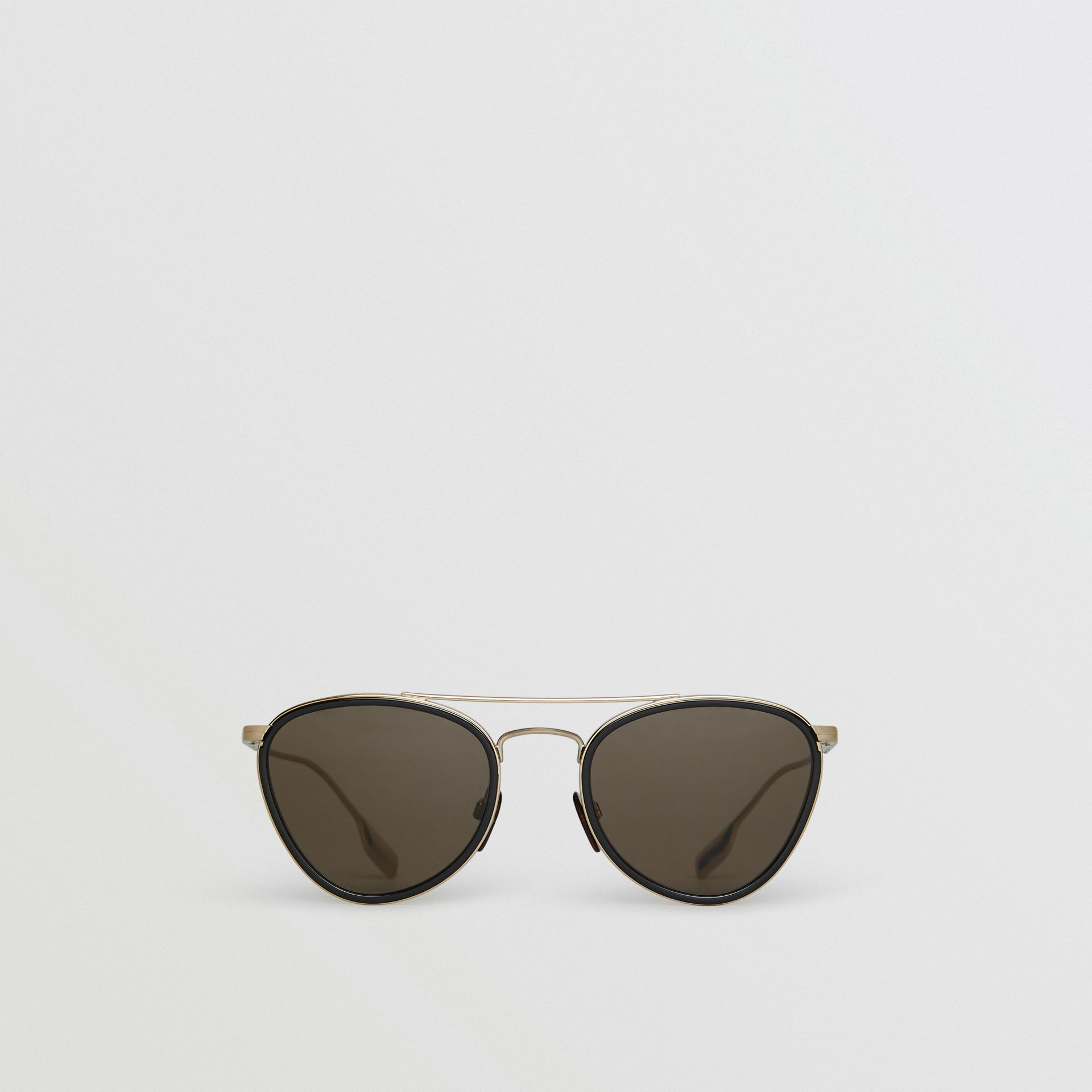 Pilot Sunglasses in Black - Women | Burberry United States - gallery image 0