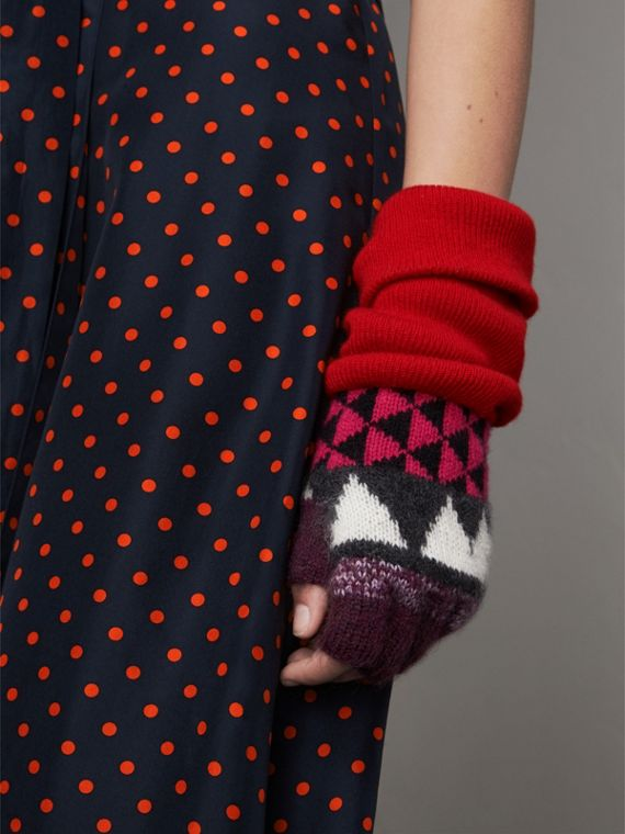 Geometric Cashmere Wool Blend Fingerless Gloves in Charcoal/red | Burberry Australia - cell image 2