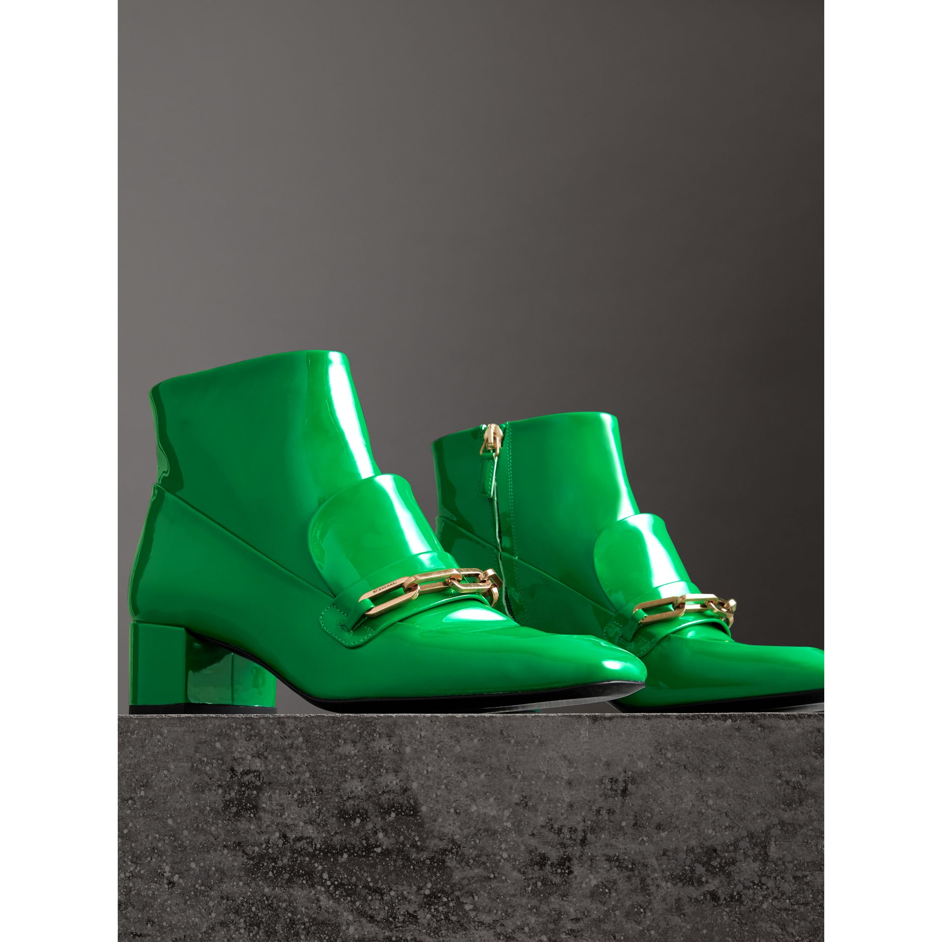 Link Detail Patent Leather Ankle Boots in Bright Pigment Green - Women | Burberry United Kingdom - gallery image 4
