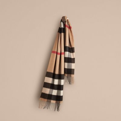 Oversize Check Cashmere Scarf in Camel