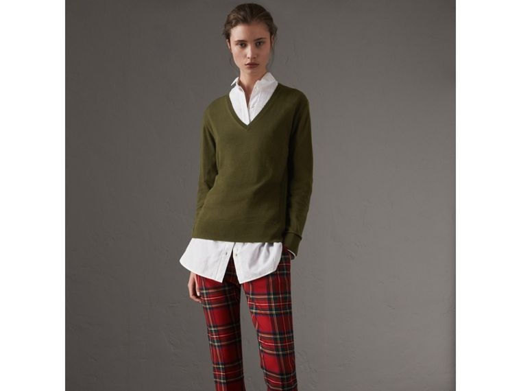 Check Detail Cashmere V-neck Sweater in Khaki Green - Women | Burberry United Kingdom - cell image 4