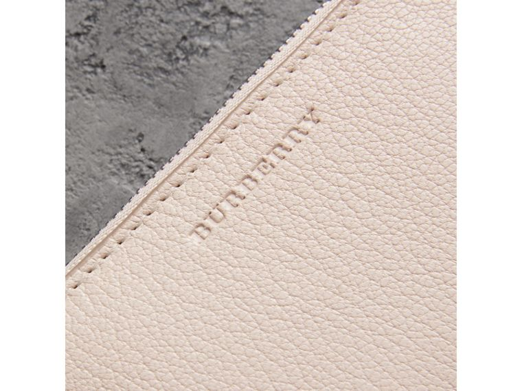 Link Detail Leather Ziparound Wallet in Stone - Women | Burberry Hong Kong - cell image 1