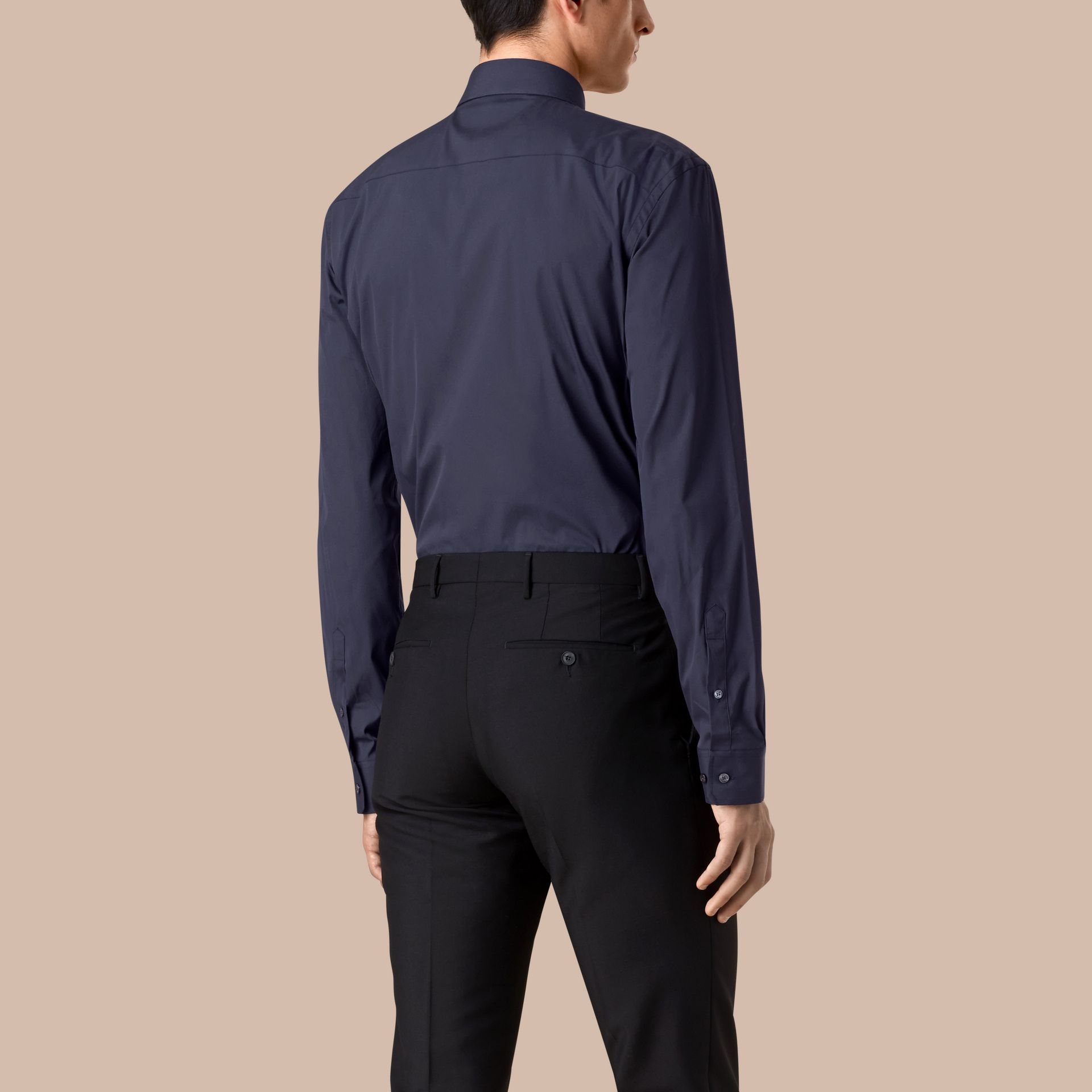 Modern Fit Stretch Cotton Shirt in Navy - gallery image 3