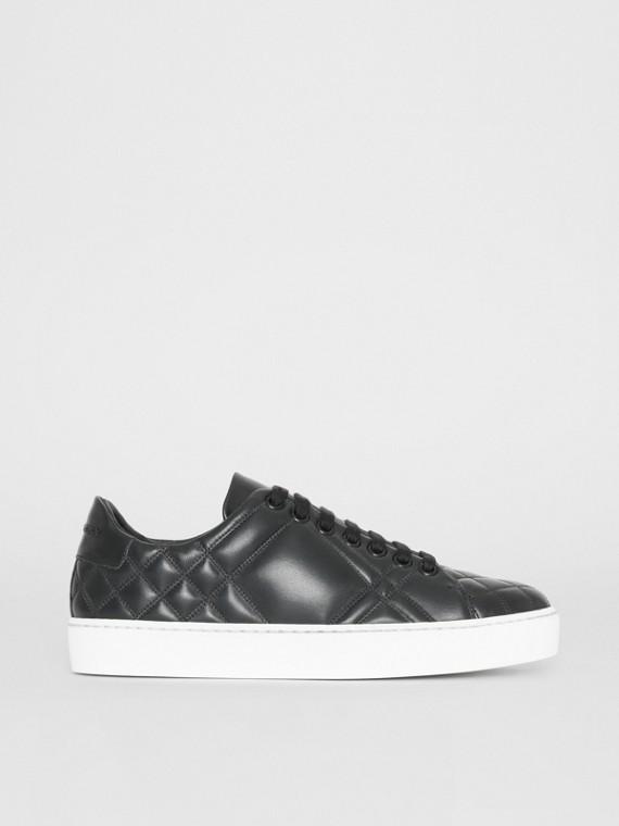 Sneaker in pelle con motivo tartan trapuntato (Nero)
