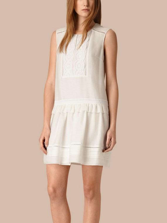 蕾絲宮廷前襟棉質絲綢無袖洋裝