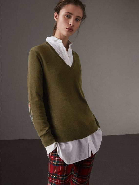 Check Detail Cashmere V-neck Sweater in Khaki Green