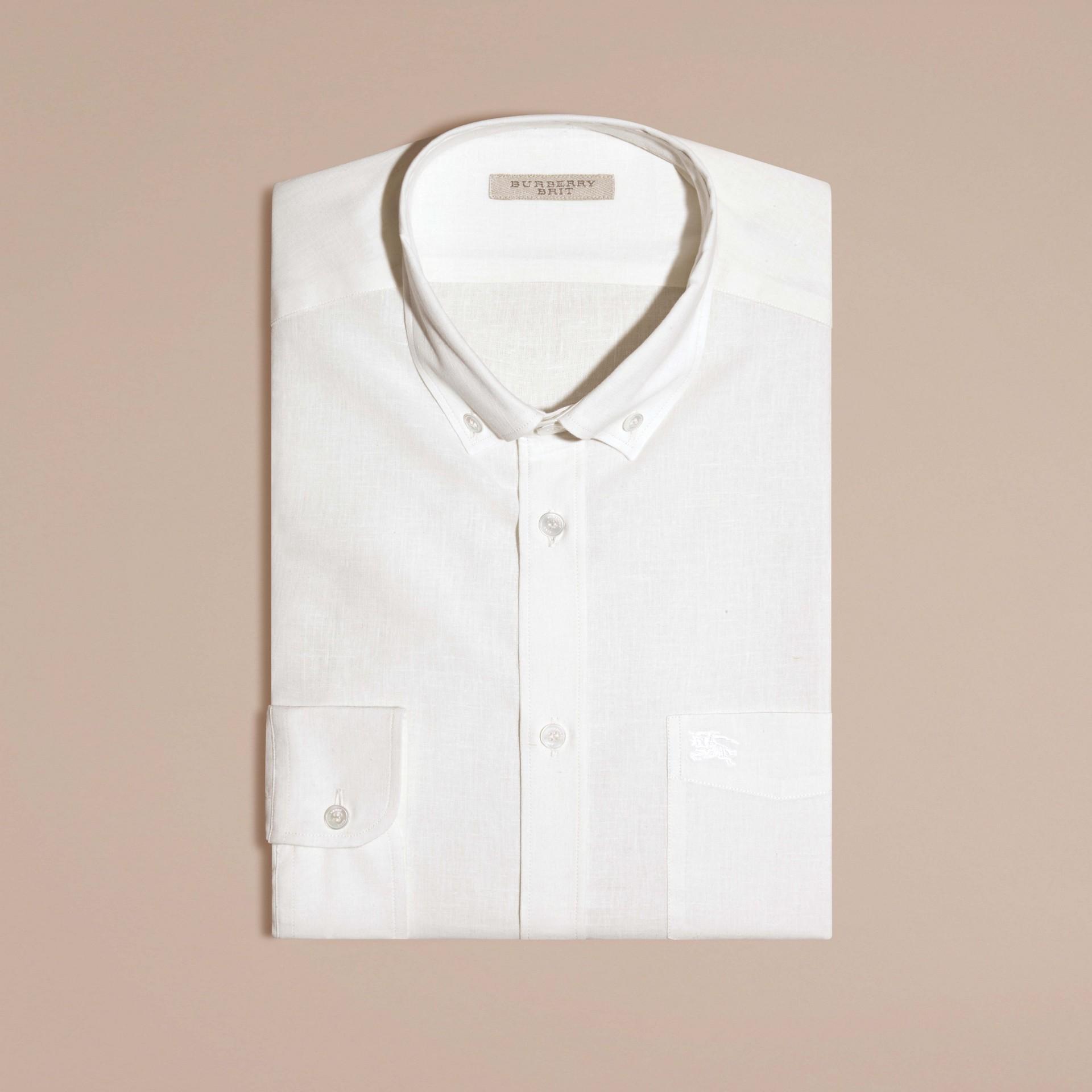 Weiss Hemd aus Baumwolle und Leinen mit Button-down-Kragen Weiss - Galerie-Bild 3
