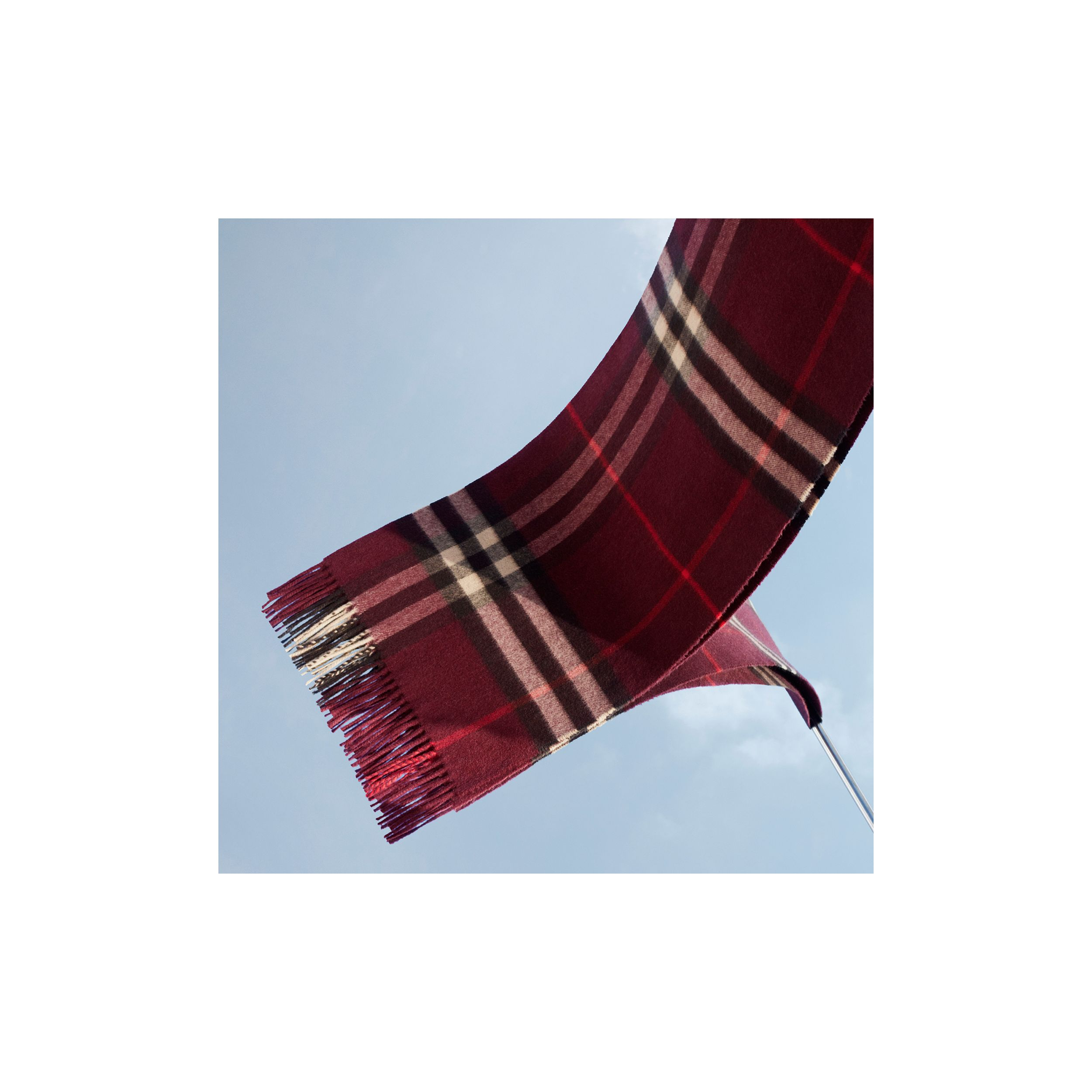 The Classic Check Cashmere Scarf in Burgundy | Burberry - 2