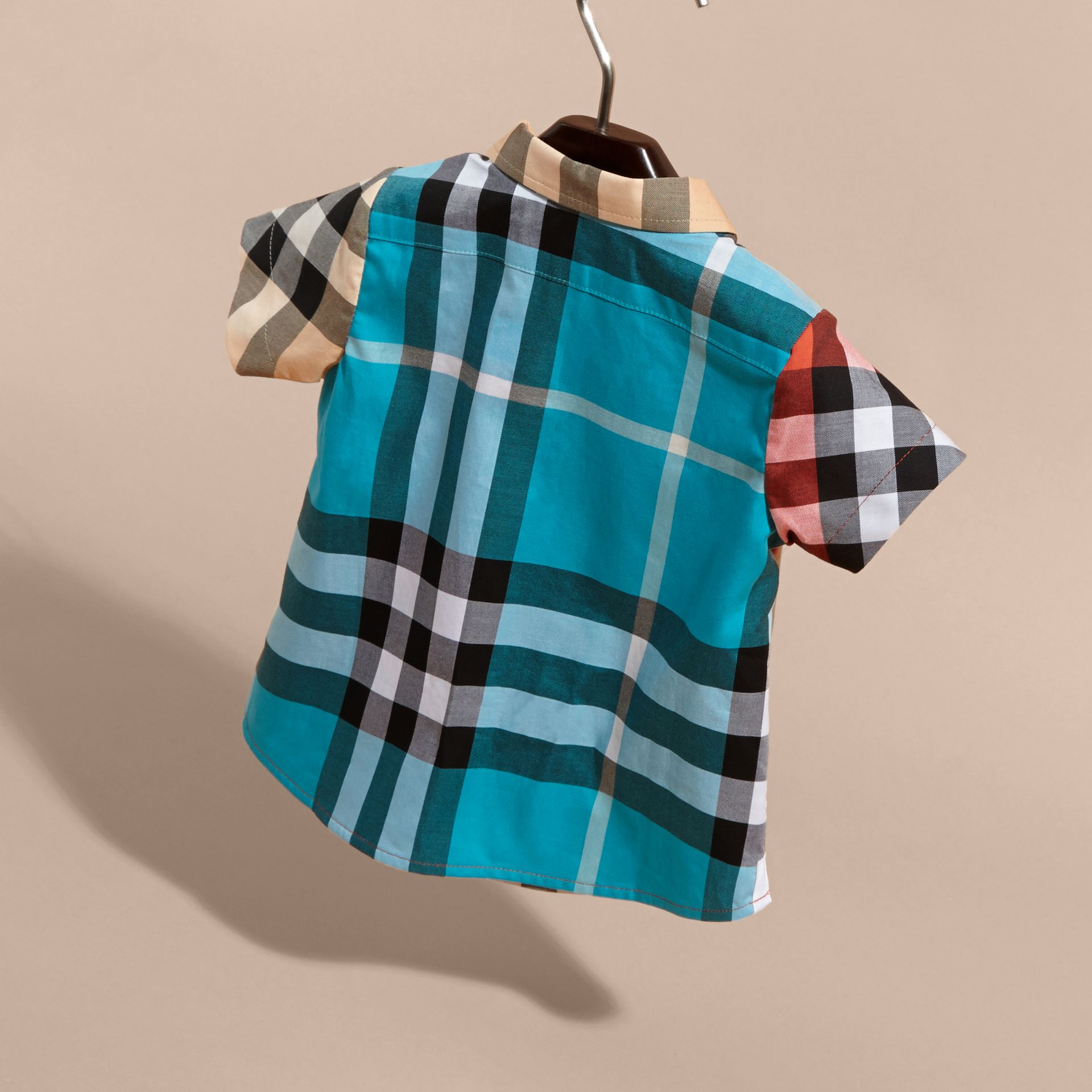 Short-sleeved Contrast Check Cotton Shirt in New Classic | Burberry - gallery image 4