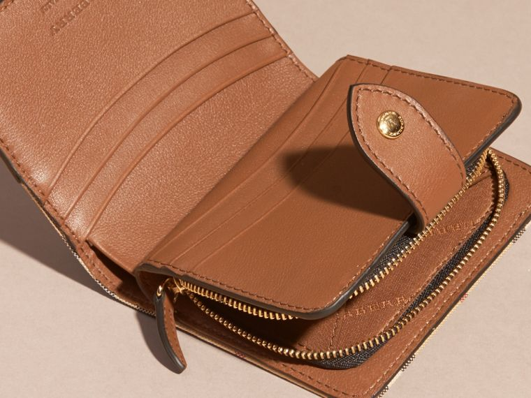 Tan Horseferry Check and Leather Wallet Tan - cell image 4