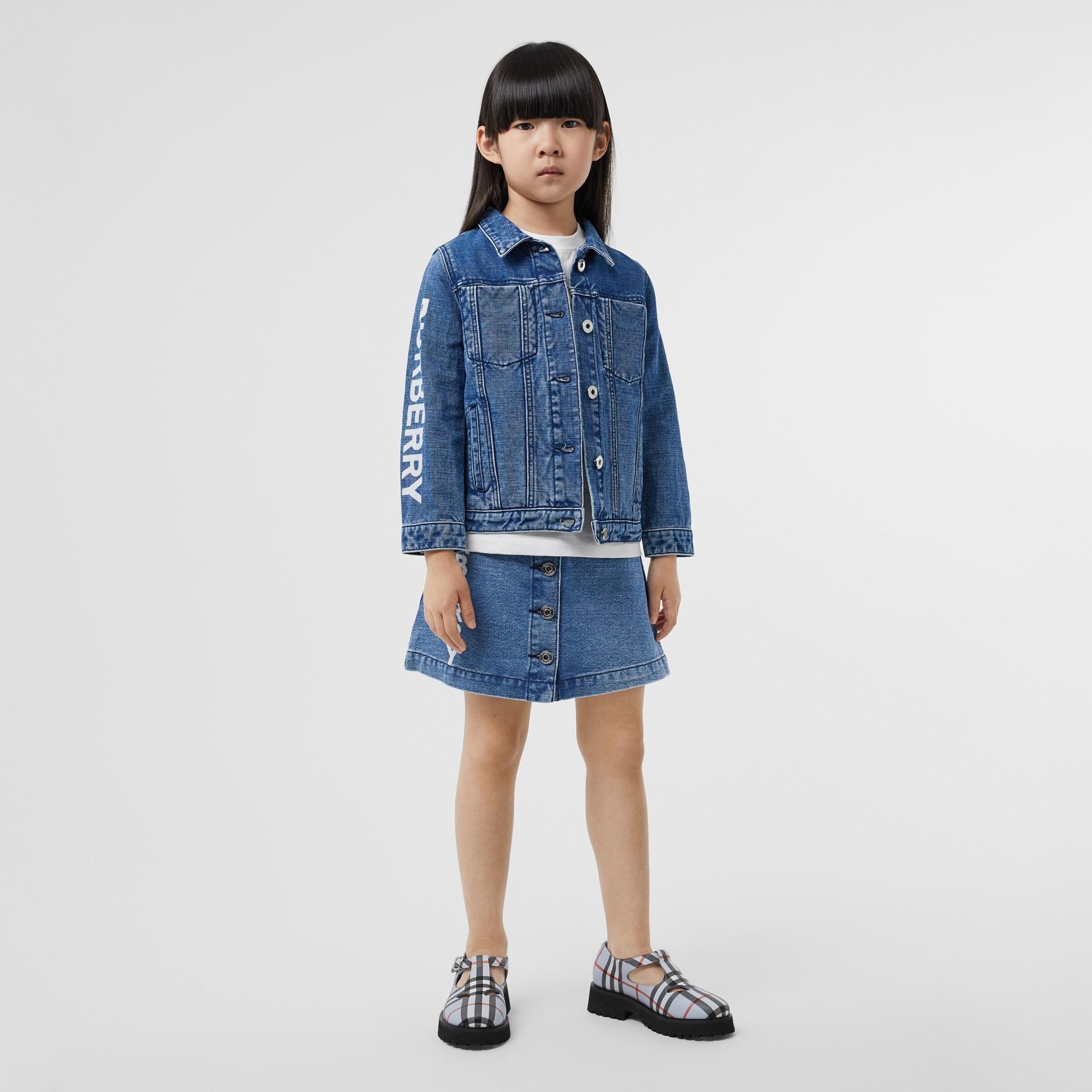 Saia de tecido jeans japonês com estampa de logotipo (Índigo) | Burberry - galeria de imagens 2