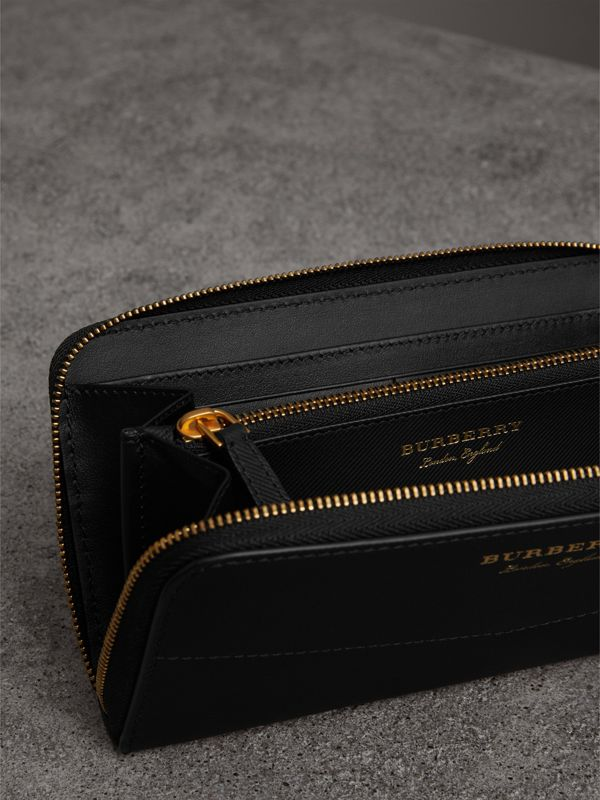 Trench Leather Ziparound Wallet in Black - Women | Burberry - cell image 3