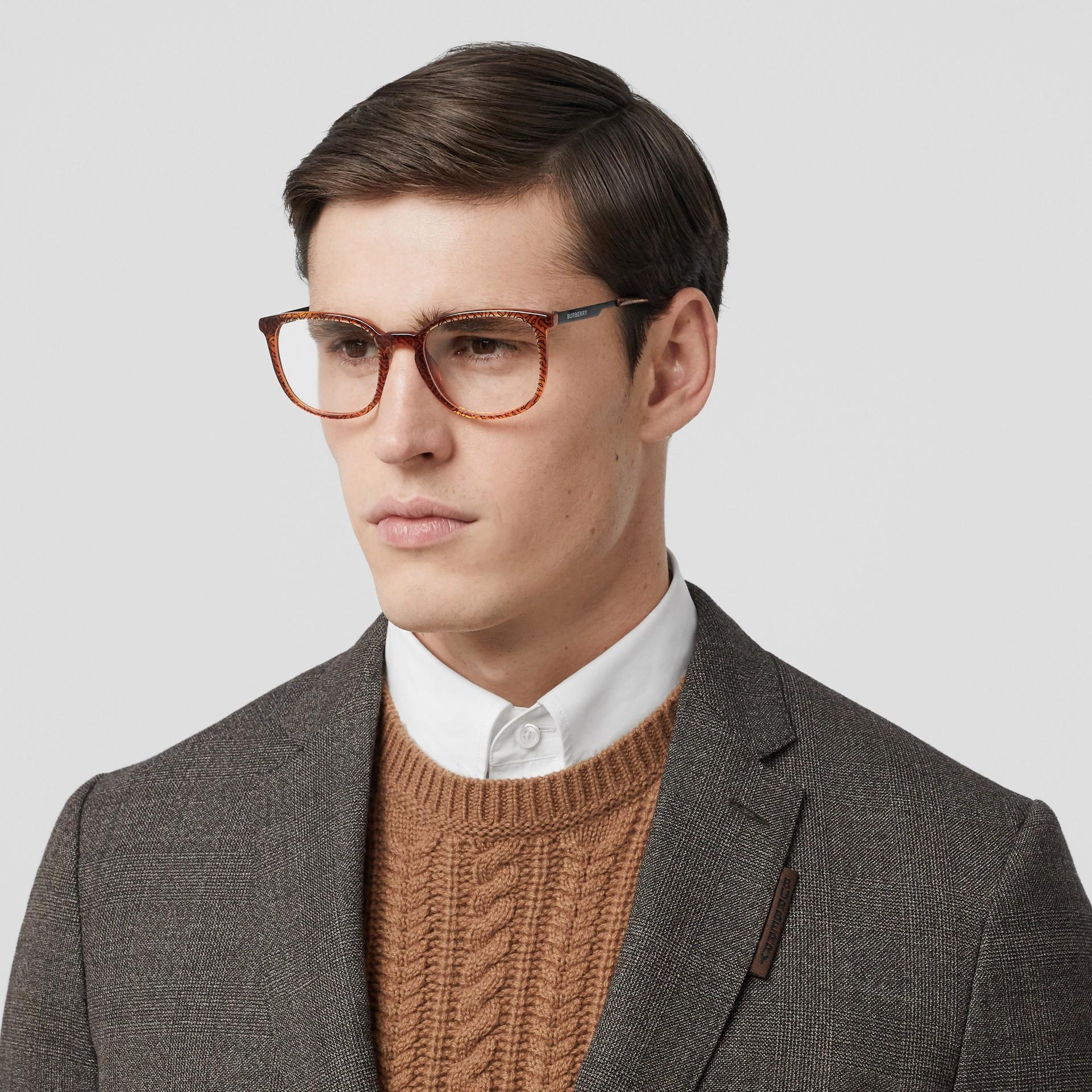 Monture carrée pour lunettes de vue Monogram (Ambre Écaille  Tortue) | Burberry Canada - photo de la galerie 2