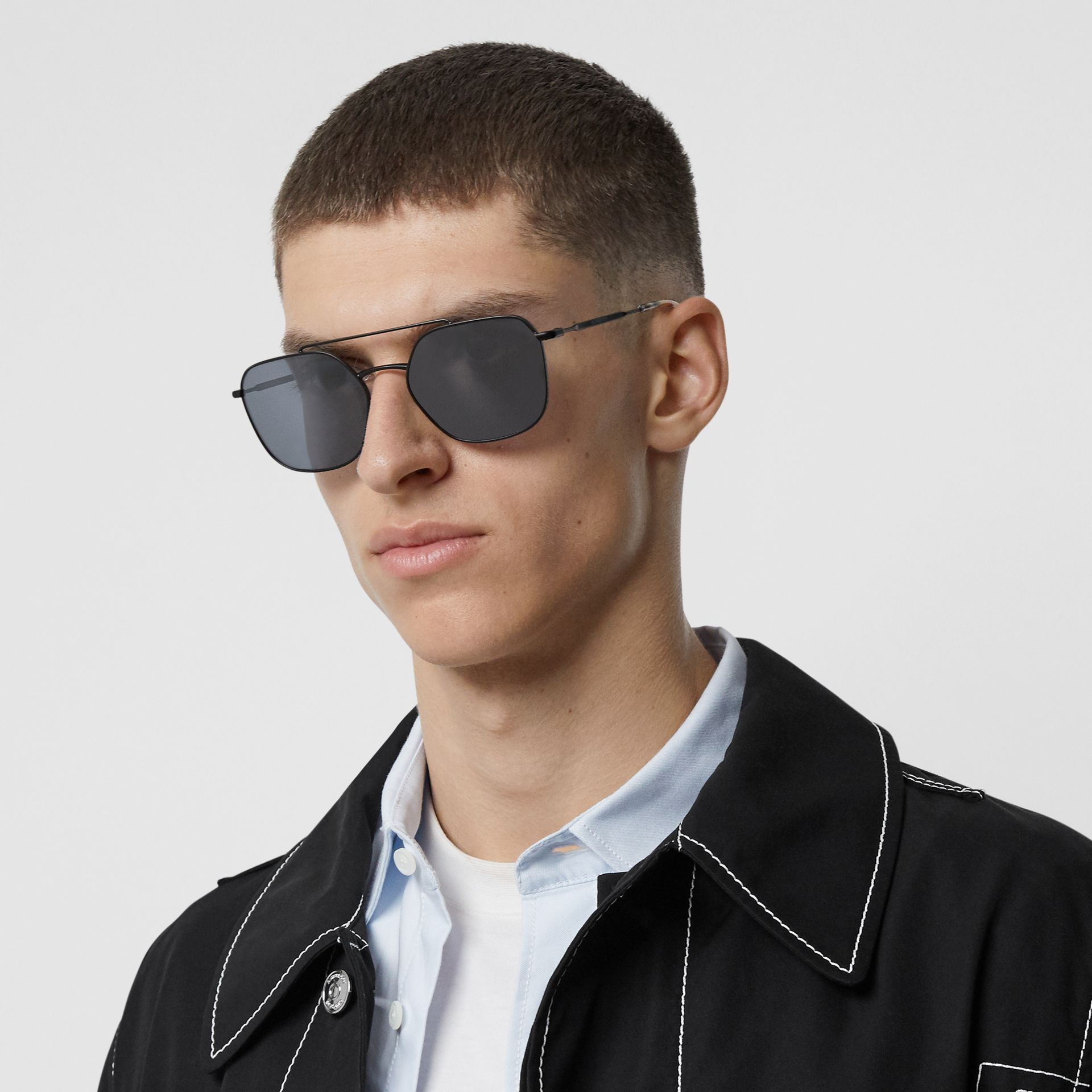 Top Bar Detail Square Pilot Sunglasses in Matt Black - Men | Burberry United Kingdom - gallery image 2