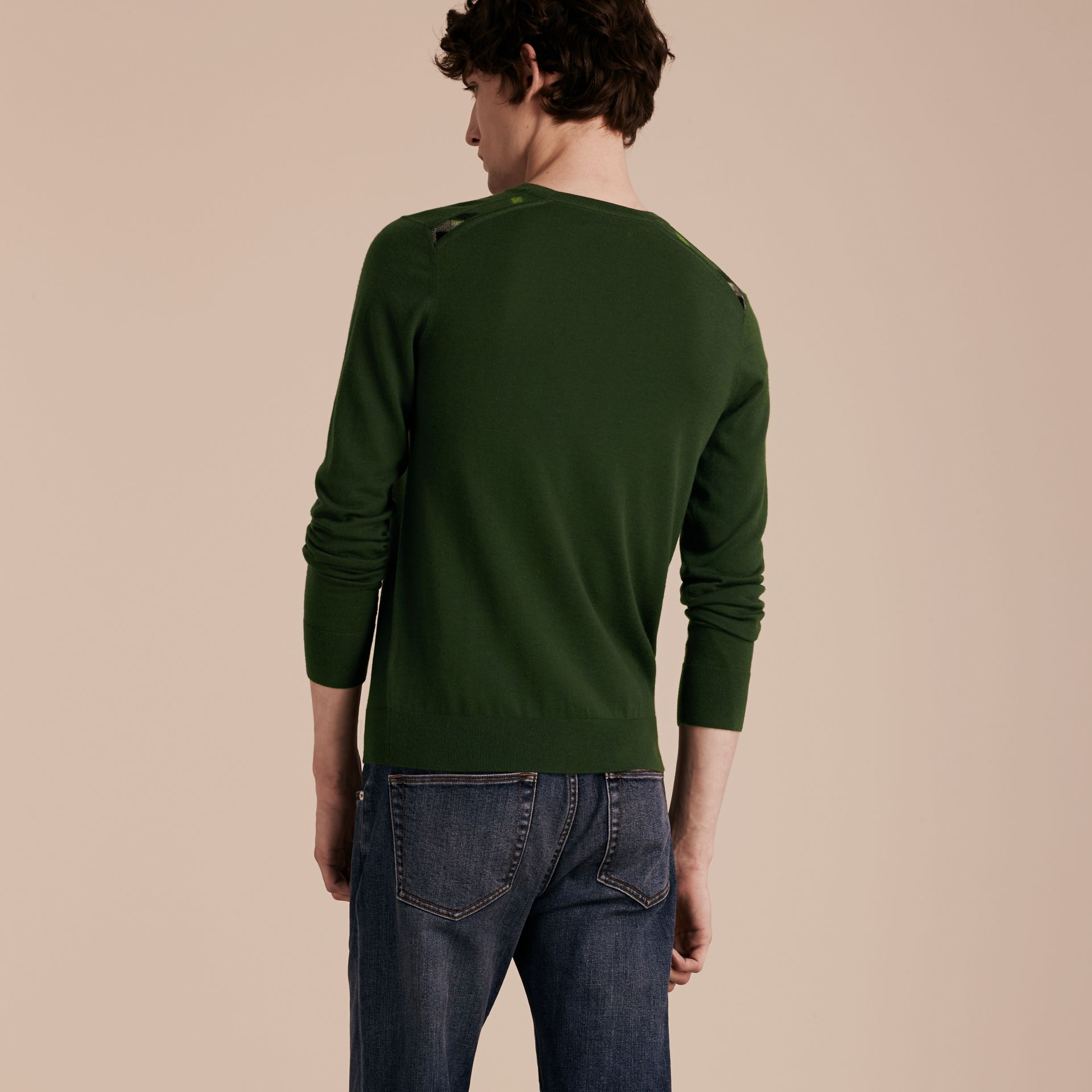 Olive green Lightweight Crew Neck Cashmere Sweater with Check Trim Olive Green - gallery image 3