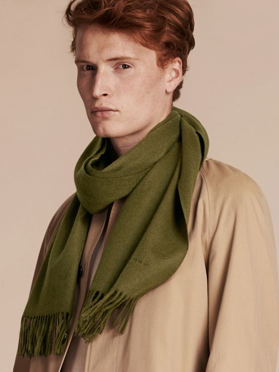 The Classic Cashmere Scarf in Olive Green | Burberry - cell image 3