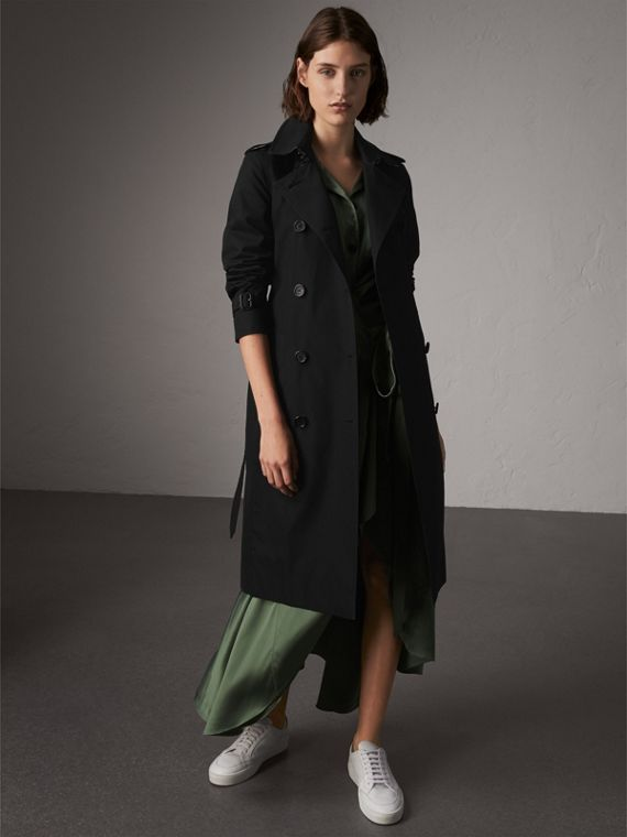 The Kensington – Extra-long Trench Coat in Black