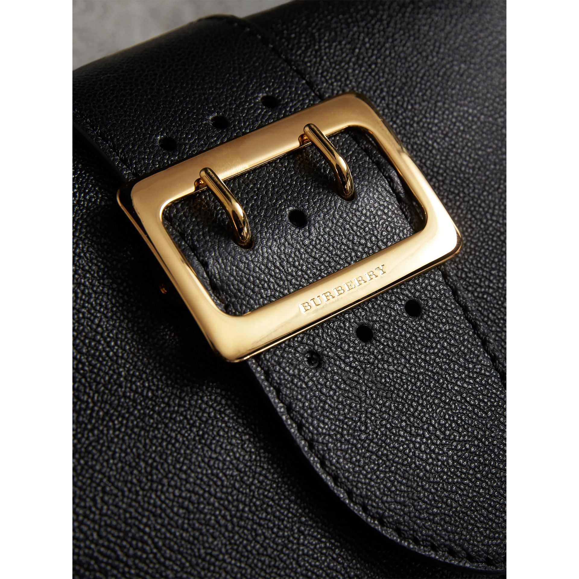 The Small Buckle Crossbody Bag in Leather in Black - Women | Burberry United Kingdom - gallery image 2