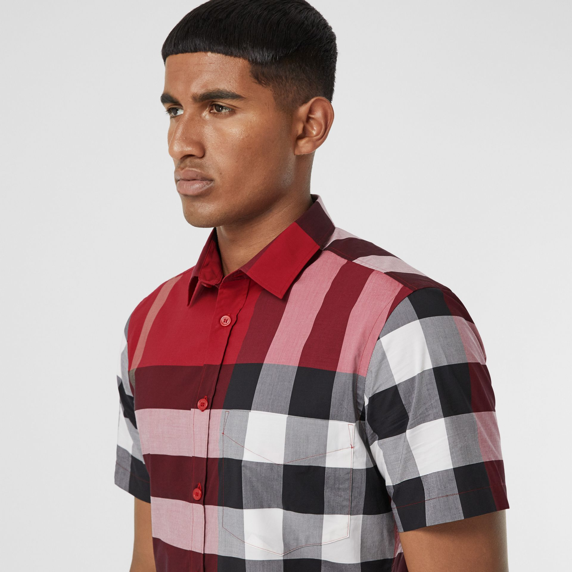 Short-sleeve Check Stretch Cotton Poplin Shirt in Parade Red - Men | Burberry Canada - gallery image 1