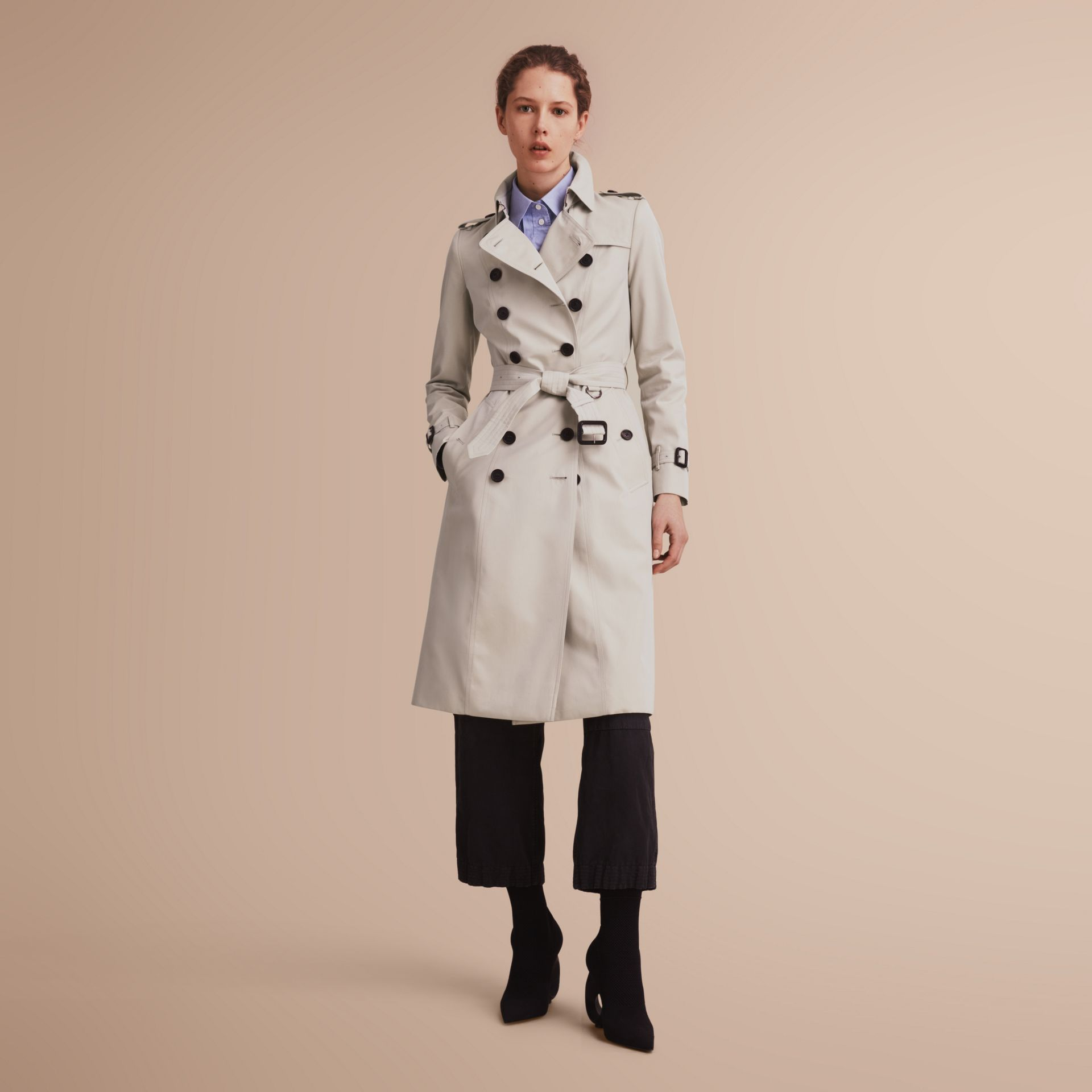 The Chelsea – Extra-long Heritage Trench Coat in Stone - Women | Burberry - gallery image 1