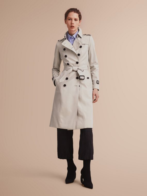 The Chelsea – Extra-long Heritage Trench Coat in Stone - Women | Burberry