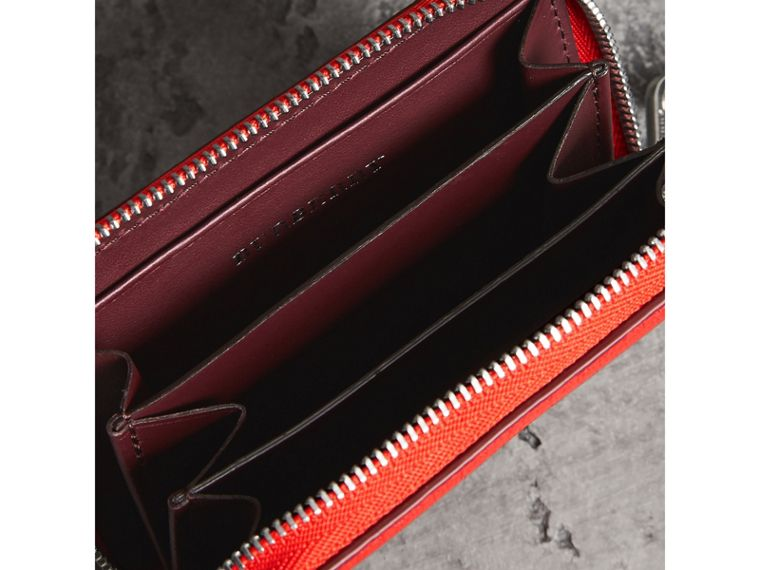 Link Detail Leather Ziparound Wallet in Bright Red | Burberry - cell image 4