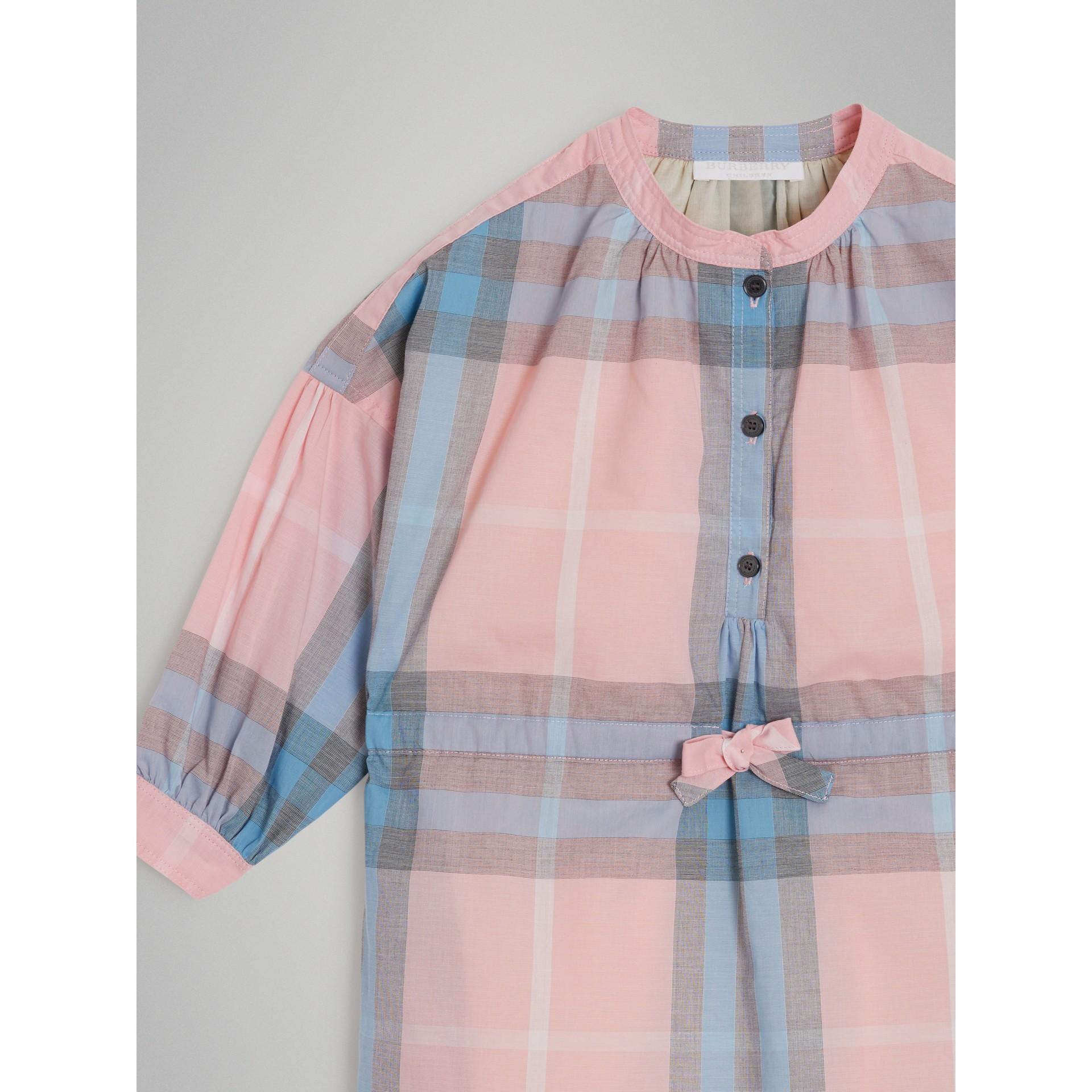 Vestido estilo camisa de algodão com estampa xadrez (Rosa Gelo) | Burberry - galeria de imagens 4