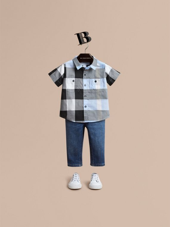 Short-sleeve Check Cotton Shirt in Sky Blue | Burberry Canada