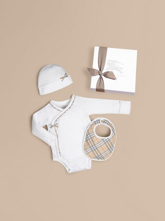Check Cotton Three-piece Baby Gift Set in White - Girl | Burberry
