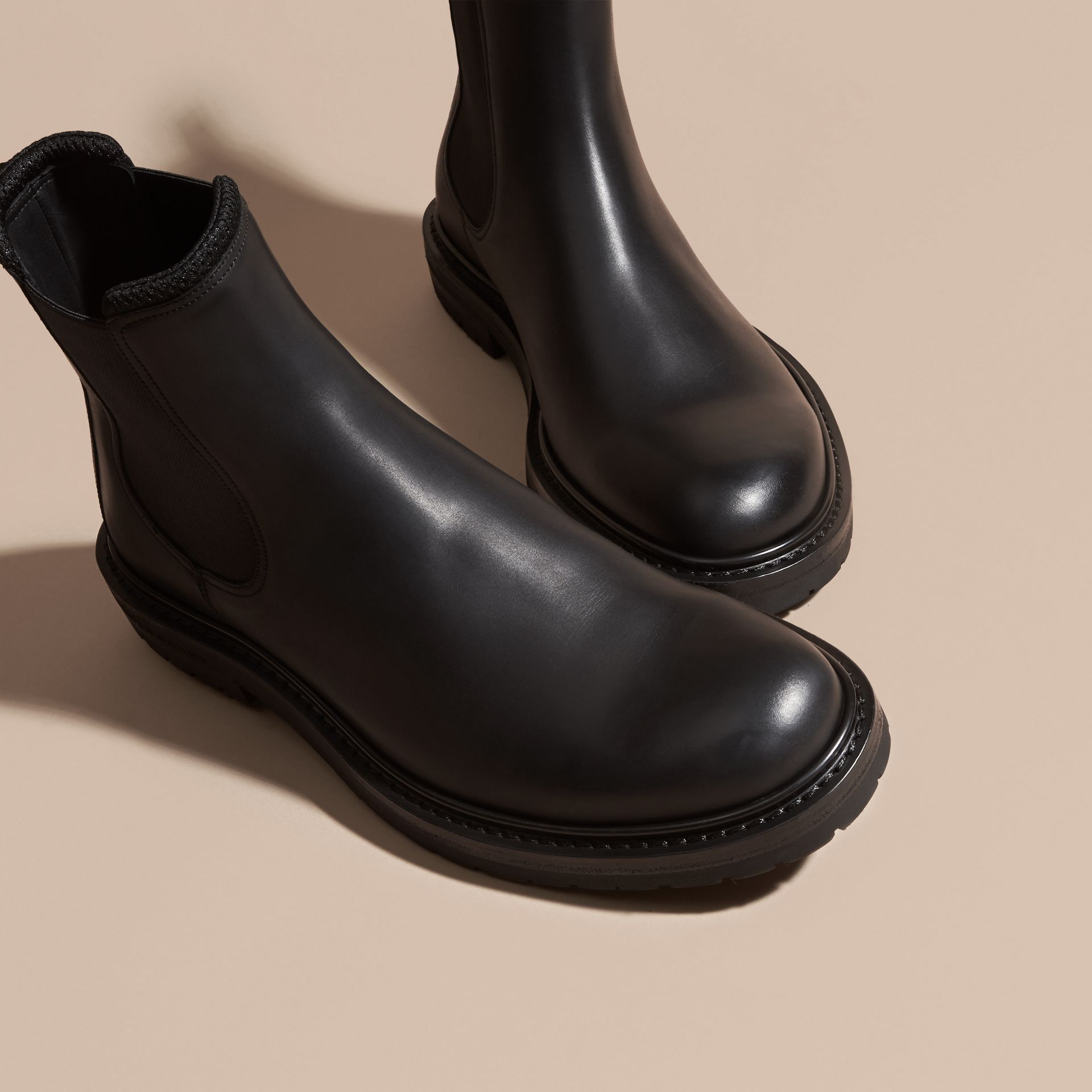 Noir Bottines Chelsea en cuir - photo de la galerie 3