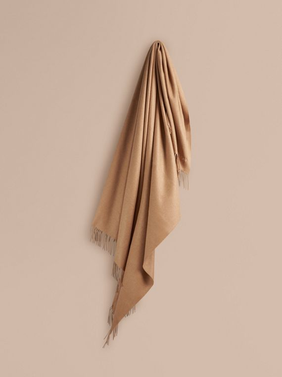 Cashmere Blanket in Camel