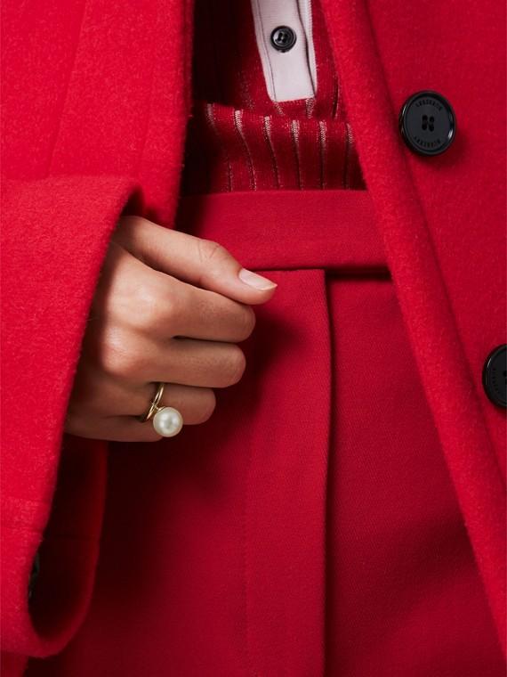 Bague plaquée or avec perle de synthèse (Clair/blanc) - Femme   Burberry Canada - cell image 2