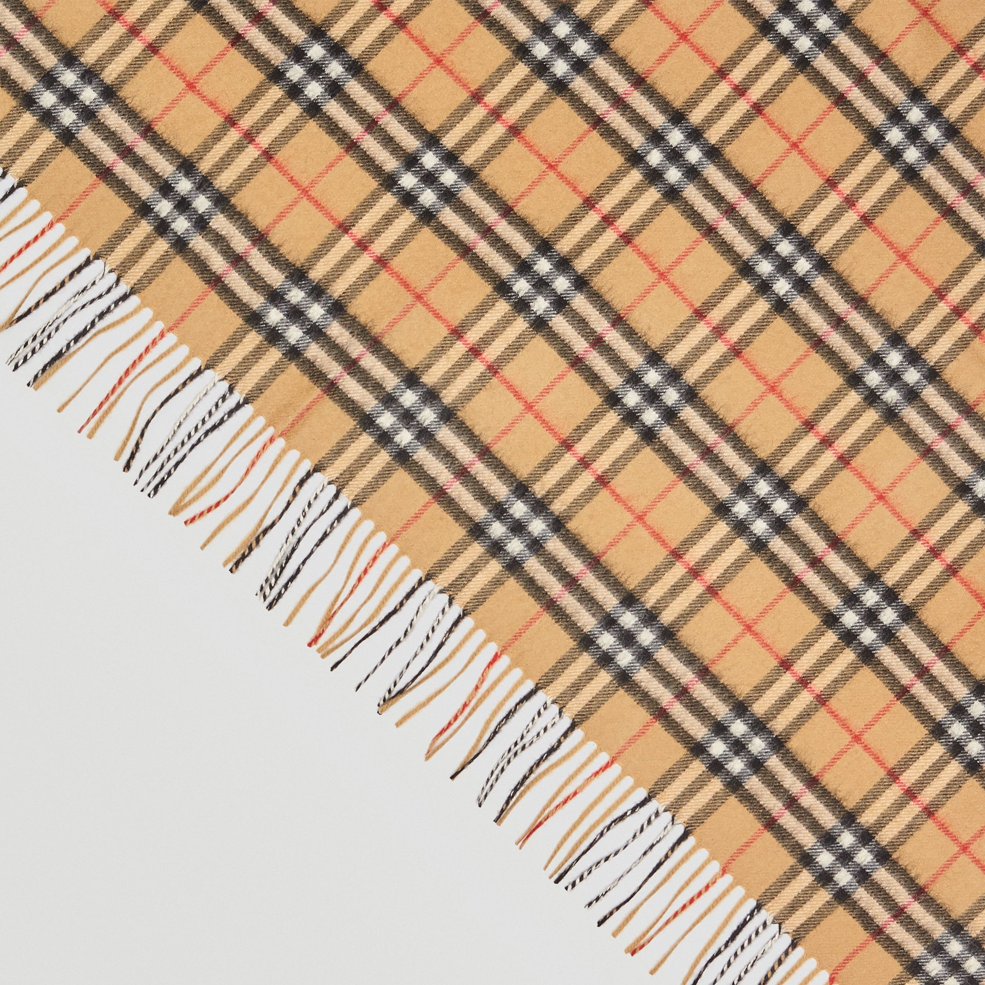 Bandana Burberry en cachemire à motif Vintage check (Jaune Antique) | Burberry Canada - photo de la galerie 1
