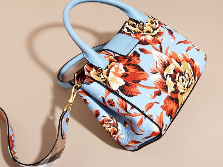 Pale blue/vibrant orange The Small Buckle Tote in Peony Rose Print Leather Pale Blue/vibrant Orange - cell image 4