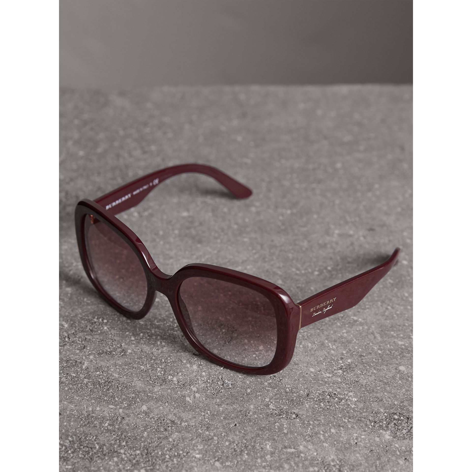 Square Frame Sunglasses in Burgundy - Women | Burberry United Kingdom - gallery image 2
