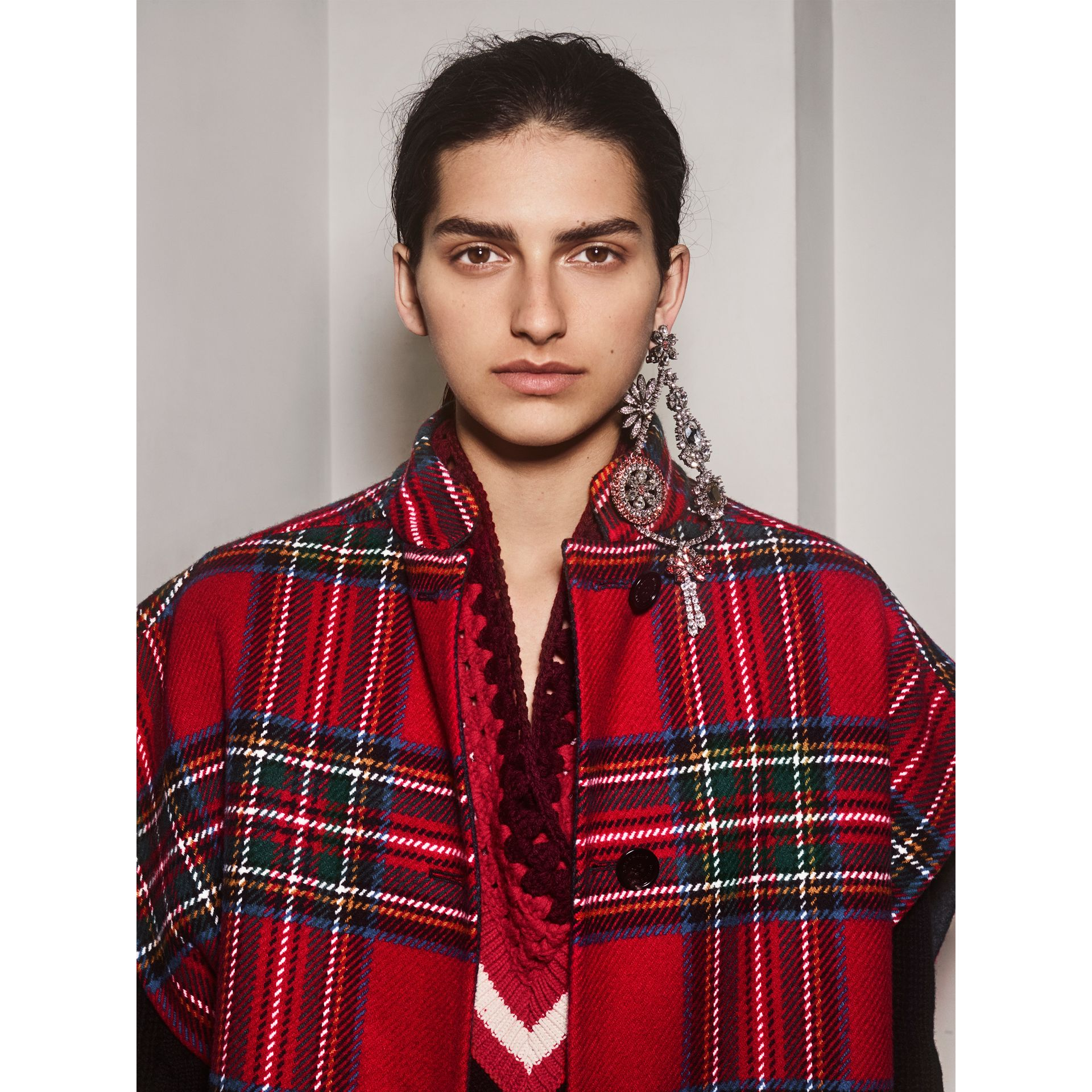 Tartan Double-faced Wool Cashmere Oversized Coat in Bright Red/dark Grey - Women | Burberry - gallery image 3