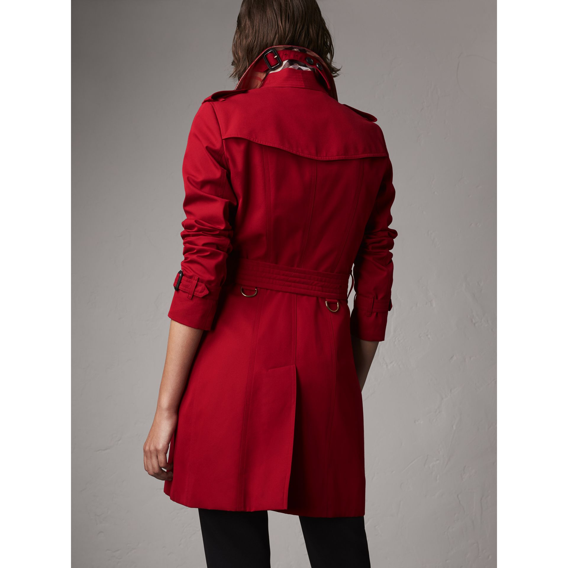 The Chelsea – Mid-length Trench Coat in Parade Red - Women | Burberry Canada - gallery image 3