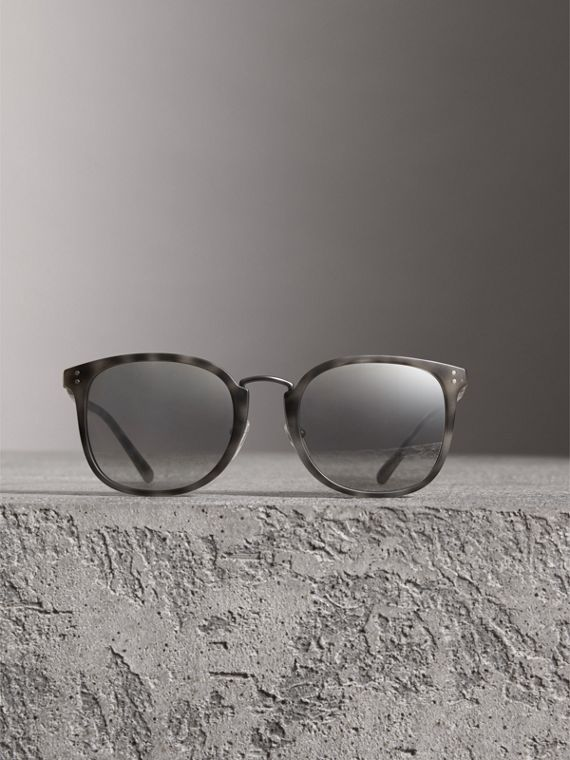 Square Frame Acetate Sunglasses in Chalk Grey - Men | Burberry - cell image 2
