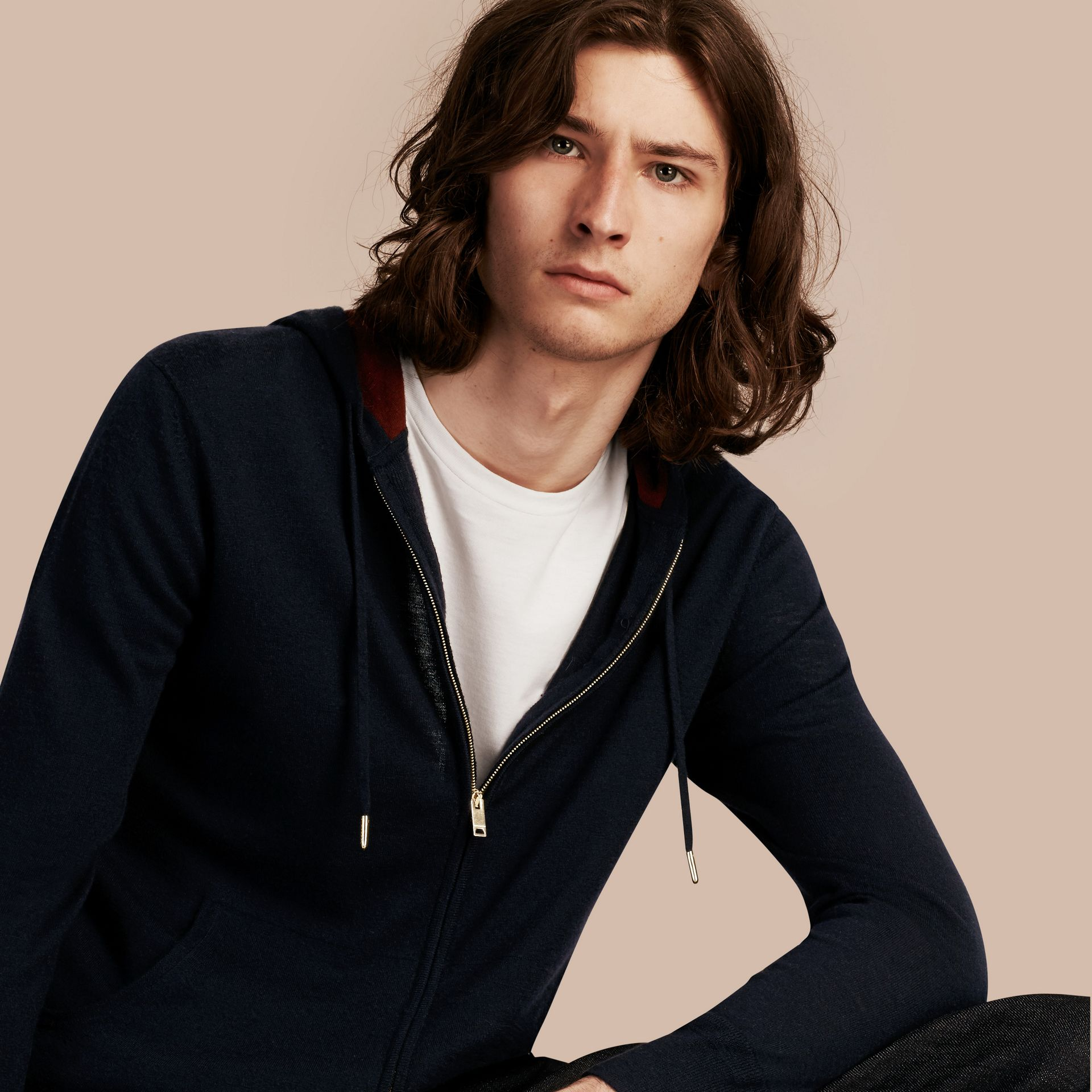 Navy Two-tone Cashmere Hooded Top - gallery image 5