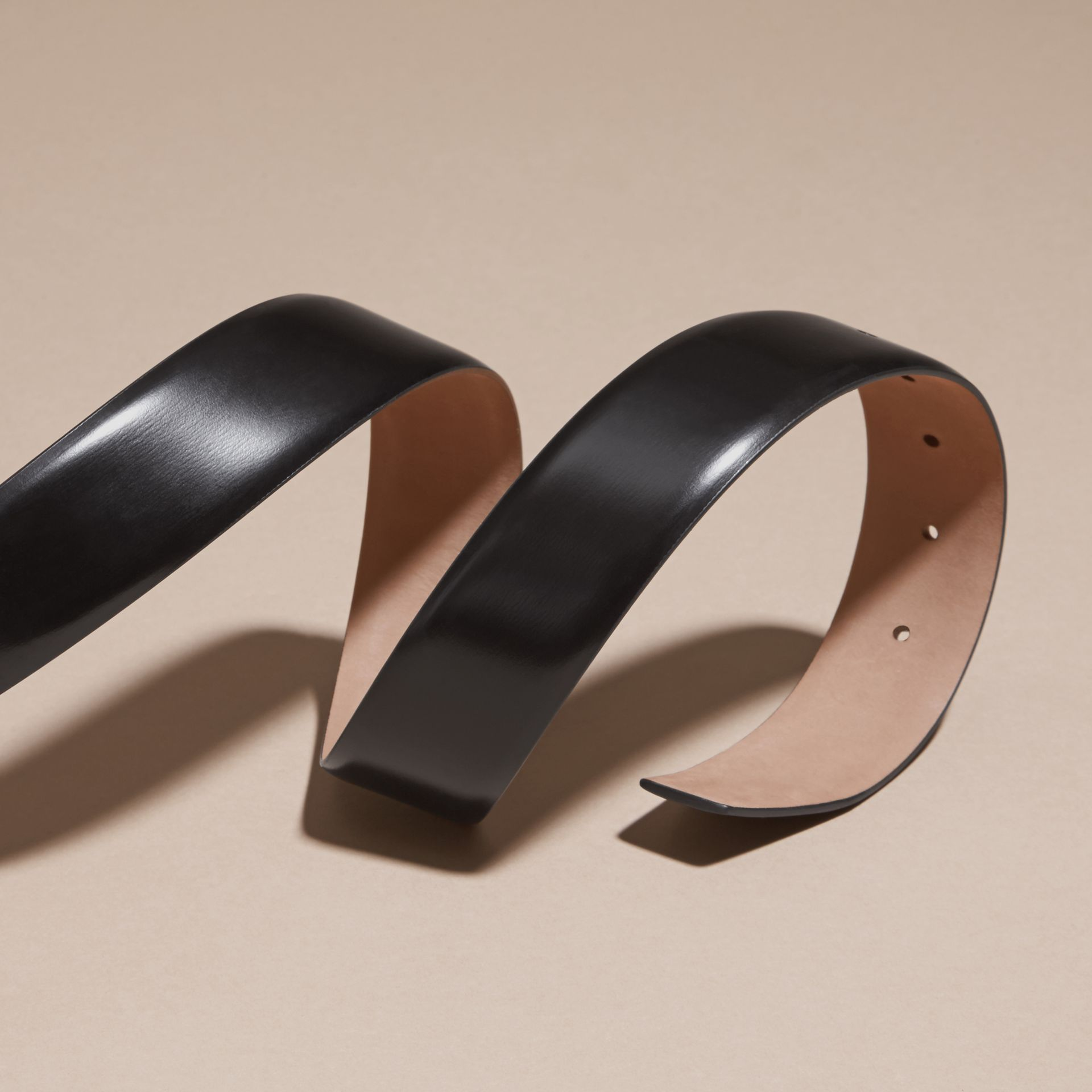 Polished Plaque Buckle Bridle Leather Belt in Black - Men | Burberry Australia - gallery image 3