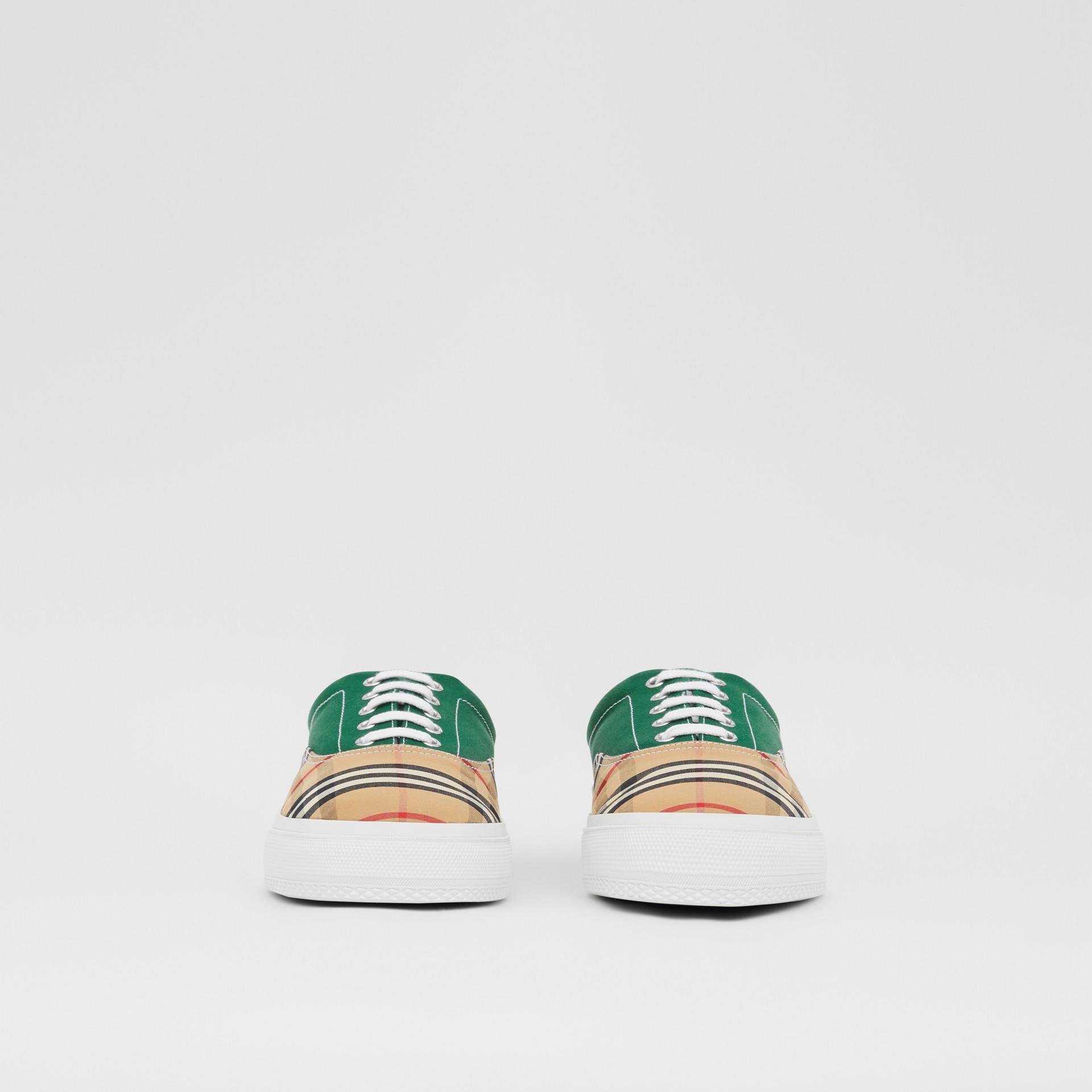 Sneakers en tissu Vintage check, toile de coton et cuir velours (Beige D'archive/vert) - Homme | Burberry - photo de la galerie 2